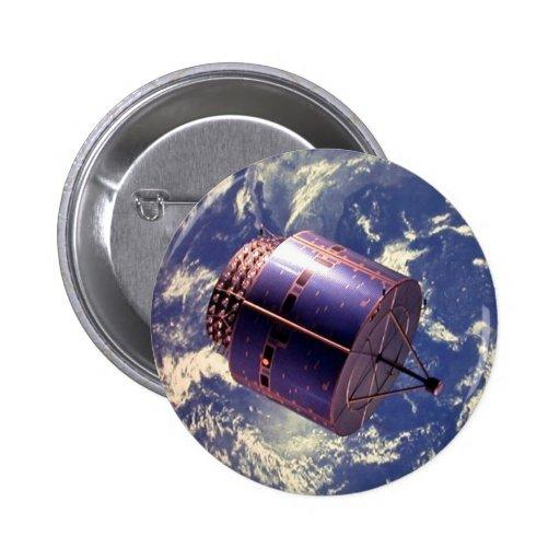 Modelo del satélite en espacio pins