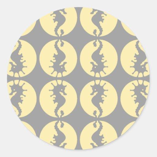 Modelo del Seahorse en amarillo y gris Pegatina Redonda
