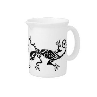 Modelo del tatuaje/de la alheña del lagarto jarron
