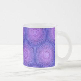 modelo del terciopelo, azul taza de café