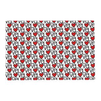Modelo del texto del amor con los corazones tapete individual