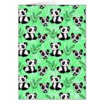 Modelo del verde de la panda de la madre y del beb felicitacion