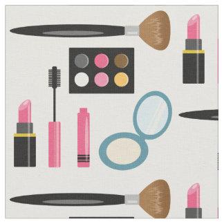 Modelo determinado del maquillaje lindo telas