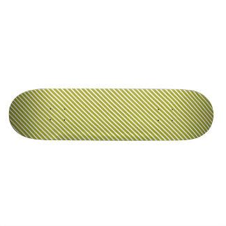 Modelo diagonal de la raya del verde verde oliva patin