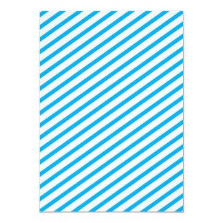 Modelo diagonal del azul de la raya invitación 12,7 x 17,8 cm