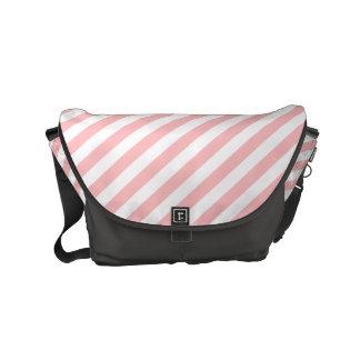 Modelo diagonal del rosa y blanco de las rayas bolsas de mensajería