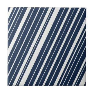 Modelo diagonal fresco del azul marino y blanco de azulejo cuadrado pequeño