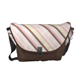 Modelo diagonal rosado de la raya bolsas de mensajeria