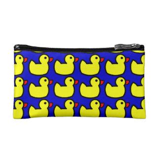 Modelo Ducky de goma amarillo brillante lindo en a