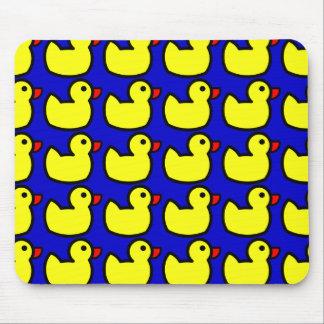 Modelo Ducky de goma amarillo brillante lindo en a Tapetes De Ratones
