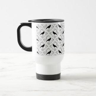 Modelo elegante blanco y negro del cuervo taza de viaje