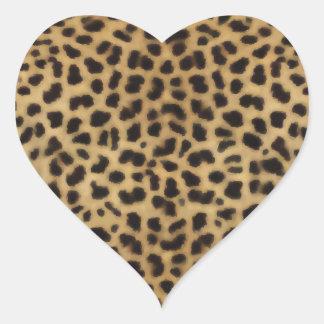 Modelo elegante de la piel del guepardo calcomanía de corazón