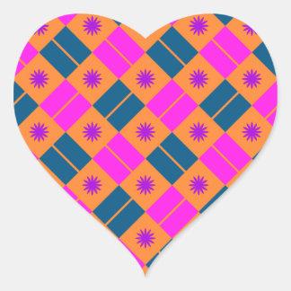 Modelo elegante de la teja pegatina en forma de corazón