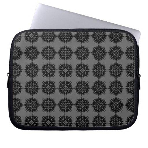 Modelo elegante elegante. Negro y gris Fundas Computadoras