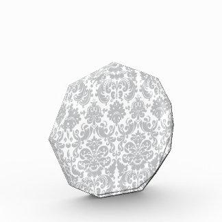 Modelo elegante gris y blanco del damasco