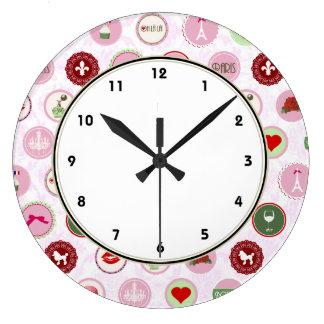 Modelo elegante lamentable rosado femenino de Parí Reloj De Pared