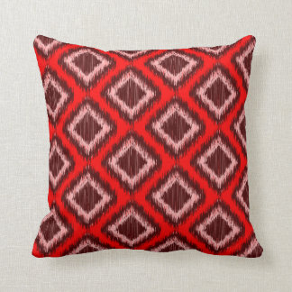 Modelo elegante moderno rojo tribal de Ikat Cojín