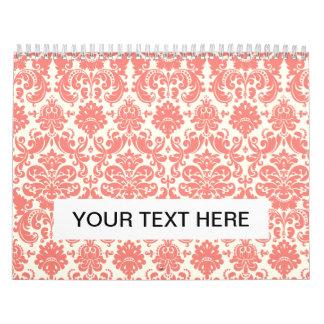 Modelo elegante rosado y de marfil coralino del calendario