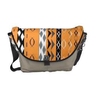 Modelo elegante tribal azteca anaranjado bolsas de mensajería