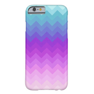 Modelo en colores pastel de Ombre Chevron Funda De iPhone 6 Slim