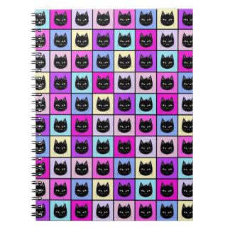 Modelo en colores pastel del gato del arco iris libretas