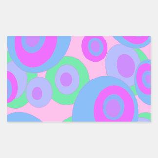 Modelo en colores pastel pegatina rectangular
