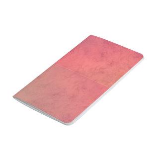 Modelo en colores pastel rosado de la acuarela del cuaderno grapado