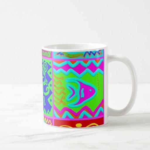 Modelo enrrollado intrépido colorido del remiendo  taza básica blanca