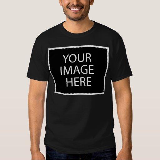 Modelo escuro básico do t-shirt playeras