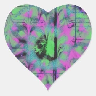 Modelo extraño pegatina en forma de corazón