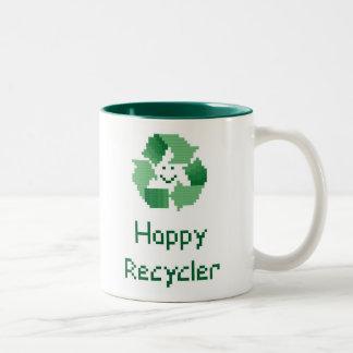 Modelo feliz de la puntada de la cruz del reciclad taza