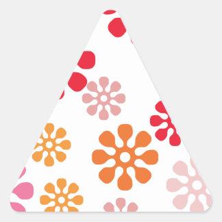 Modelo feliz de las flores pegatina triangular