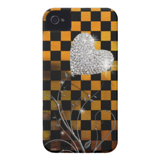 Modelo femenino del corazón y de los inspectores iPhone 4 carcasas