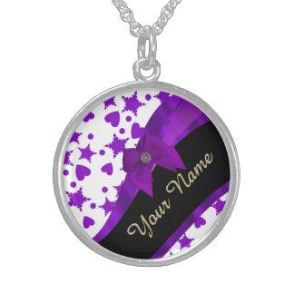 Modelo femenino manchado púrpura bonito collares de plata esterlina
