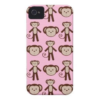 Modelo femenino rosado lindo del collage del mono Case-Mate iPhone 4 funda