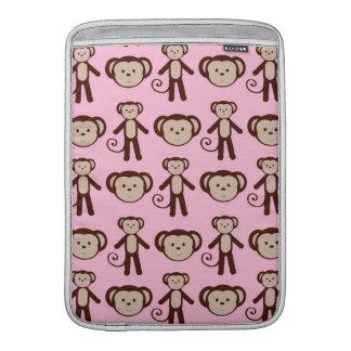 Modelo femenino rosado lindo del collage del mono funda  MacBook