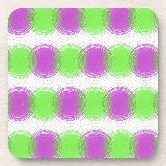 Modelo festivo de la púrpura y de la verde lima posavasos