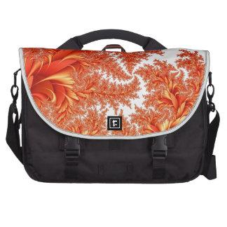 modelo floral anaranjado del fractal bolsas de portátil