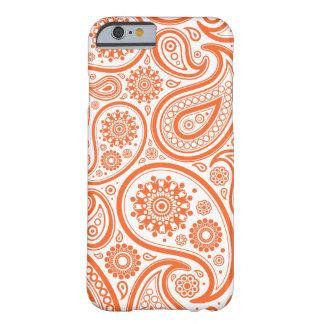 Modelo floral anaranjado del monograma de Paisley Funda De iPhone 6 Barely There