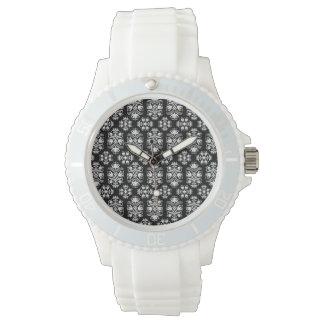 Modelo floral blanco y negro del damasco del relojes de pulsera