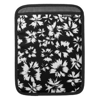 Modelo floral blanco y negro manga de iPad