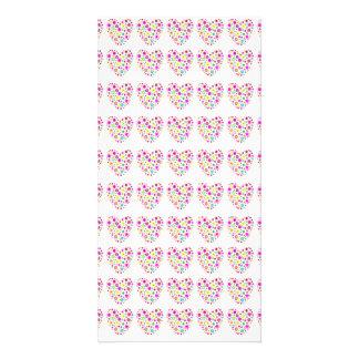 Modelo floral de neón de los corazones del amor tarjeta personal