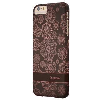 Modelo floral femenino de Paisley Brown del Funda De iPhone 6 Plus Barely There