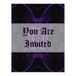 Modelo floral negro y púrpura gótico invitación 10,8 x 13,9 cm