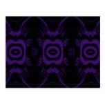 Modelo floral negro y púrpura gótico postal