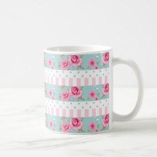 Modelo floral romántico de los rosas del rosa y de taza