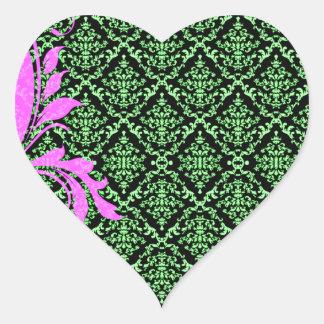 Modelo floral y verdoso rosado hermoso del damasco pegatina en forma de corazón
