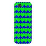 Modelo: Fondo azul con los corazones verdes iPhone 4 Cárcasa