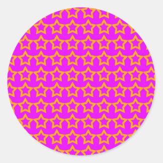 Modelo: Fondo rosado con las estrellas anaranjadas Etiquetas Redondas