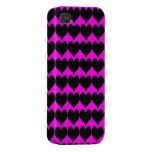 Modelo: Fondo rosado con los corazones negros iPhone 4/4S Carcasa